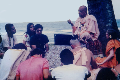 Srila-Prabhupada-in-Hawaii